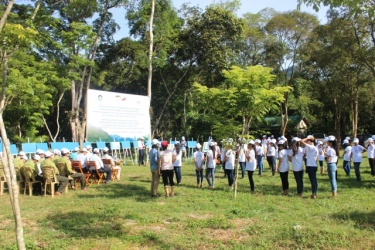 National Park Management Board of Phong Nha - Ke Bang held in response to World Environment Day.